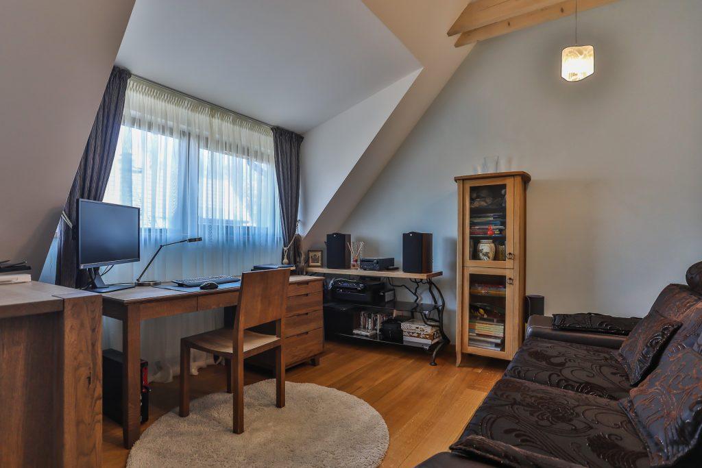Professional interior and exterior property shots 3T4A2496